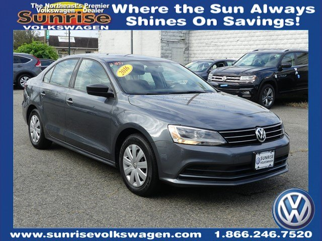 certified pre owned  volkswagen jetta    sedan  lynbrook  sunrise volkswagen