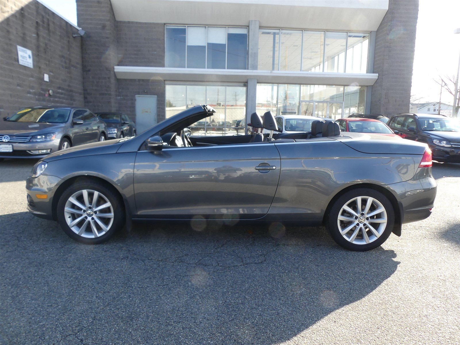 Certified Pre-Owned 2015 Volkswagen Eos Komfort Edition